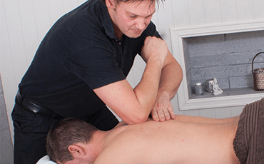Deep Tissue massage for sports and relaxing