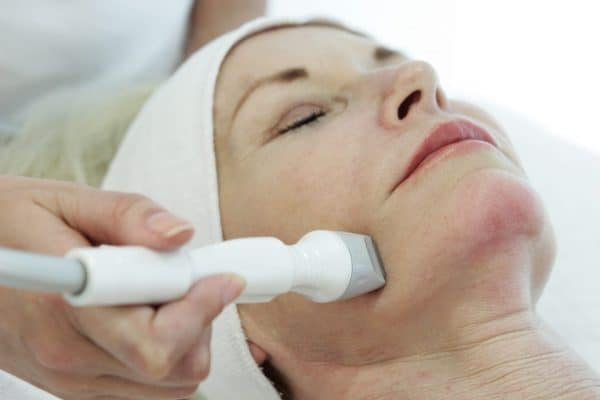 bipolar radiofrequency with vacuum in facial RF therapy treatment for skin tightening wrinkle reduction